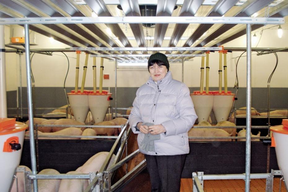 Нинель Комина в цехе доращивания площадки «Шувалово-2»