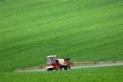 В.Зубков поручил подписать трехстороннее соглашение о поставках минудобрений для аграриев