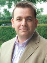 Грант Андерсон Уоллинг (Великобритания), доктор наук, директор отдела исследований и генетики компании JSR Genetics Ltd. Лектор, автор многочисленных научных публикаций, участник международных конференций