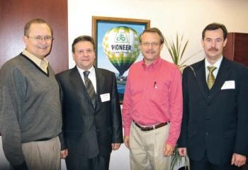 Встреча с представителями фирмы Pioneer, США, 2006 г.