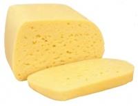 Сыр «Костромской» – классический сыр со сроком созревания 45 дней. Вкус умеренно выраженный, слегка кислый, иногда сладковатый. Тесто нежное пластичное, однородное. На разрезе имеет рисунок, состоящий из глазков круглой или овальной формы. Цвет теста от белого до слабо-желтого. 45% жирности, содержание влаги не более 44%.