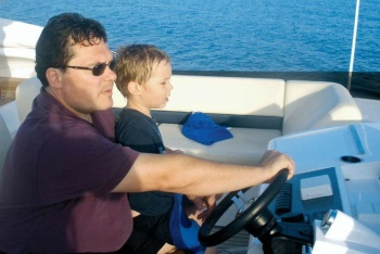 Стефано Влахович с сыном Степаном: мастер-класс по яхтингу...