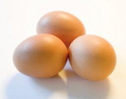 В американских магазинах появились искусственные яйца