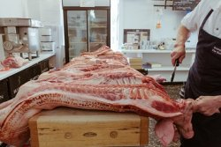 Нелегальные поставки европейского мяса в Россию