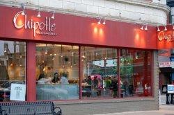 Chipotle приостанавливает закупку свинины для многих своих ресторанов
