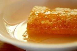 Российские пчеловоды попросили ограничить импорт европейских сладостей